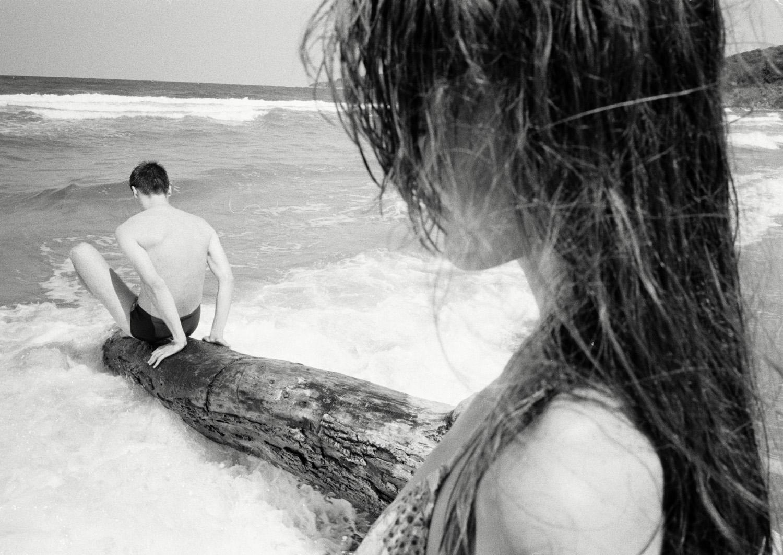 Magnus_Reed_Belgrade_beach_seashore_tree_girl_boy.jpg
