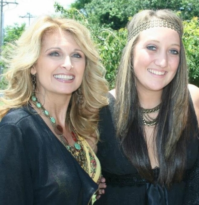 Linda Davis and Breann Young