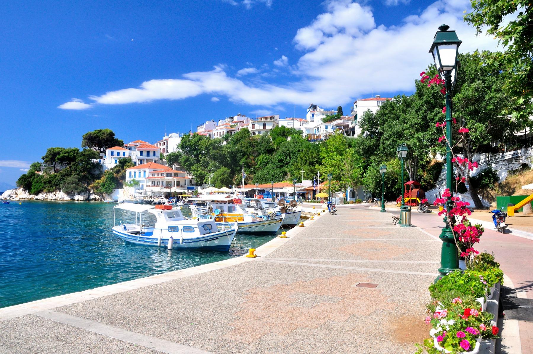 Skiathos_old_port_fishing_boats_1800x1196.jpg