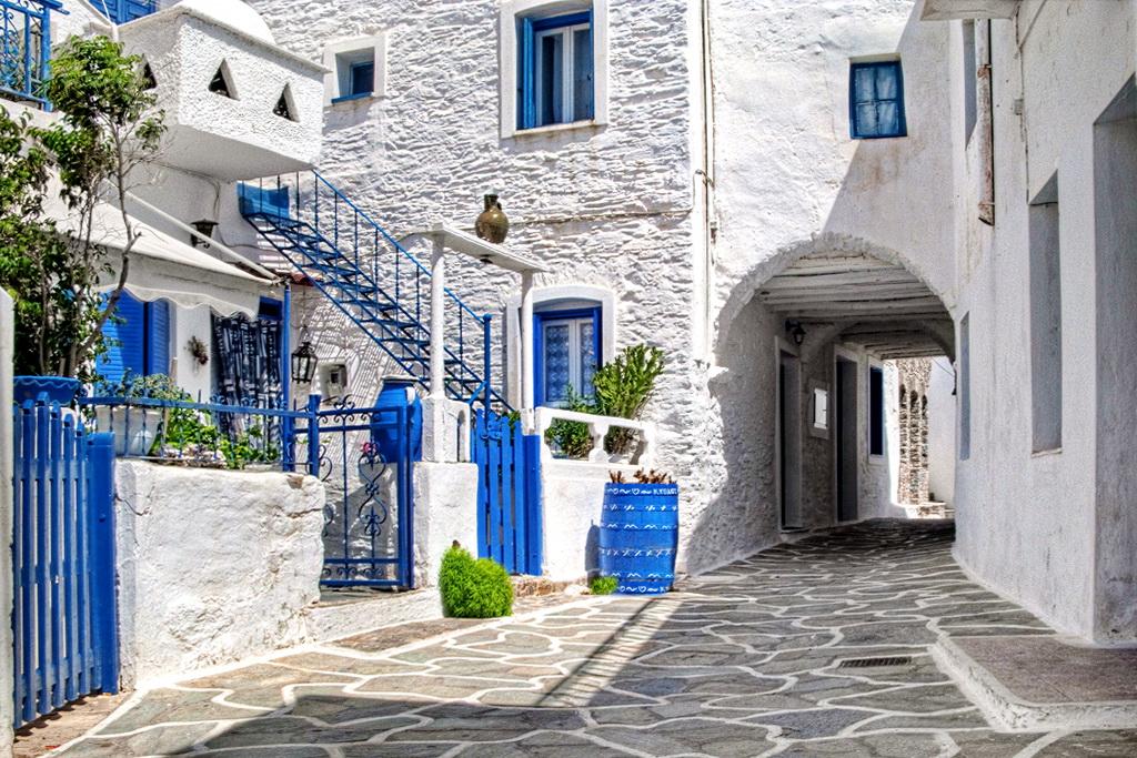 Chora-on-Kythnos-Photo-by-S.-Lambadaridis.jpg