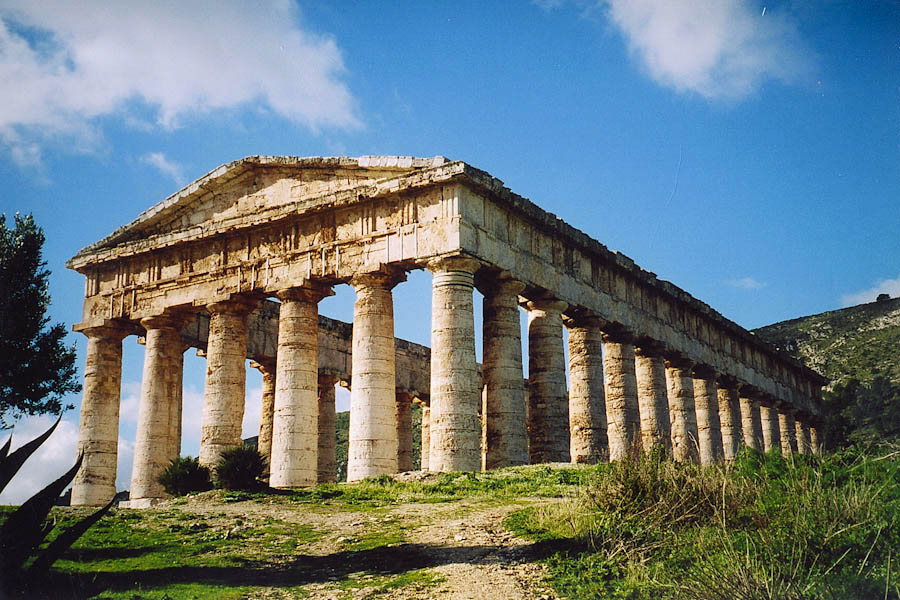 Doric Temple of Segesta.jpg