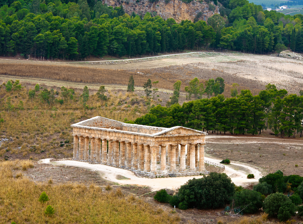 Ancient-greek-temple-of-Segesta-in-SicilyItaly.jpg
