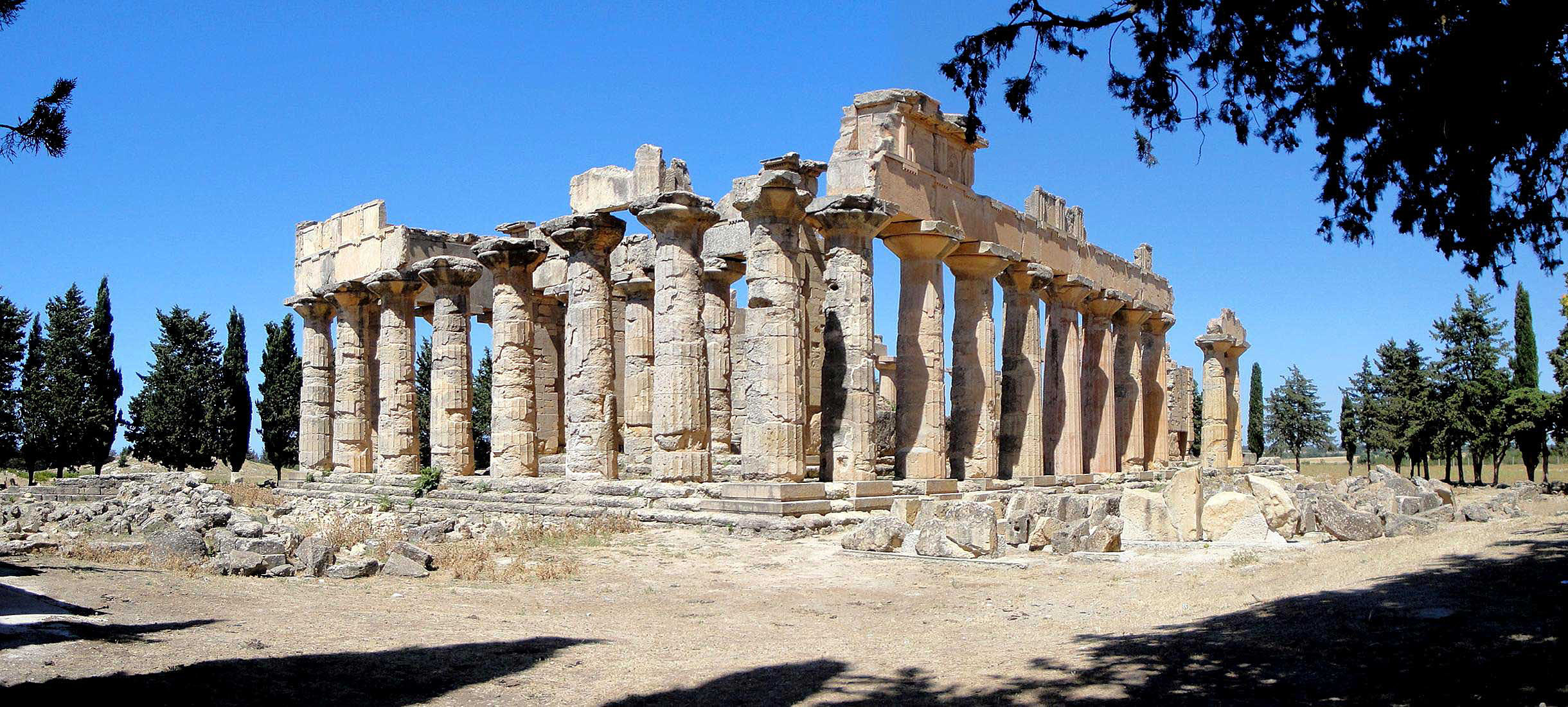 Temple of Zeus in Cyrenes.jpg