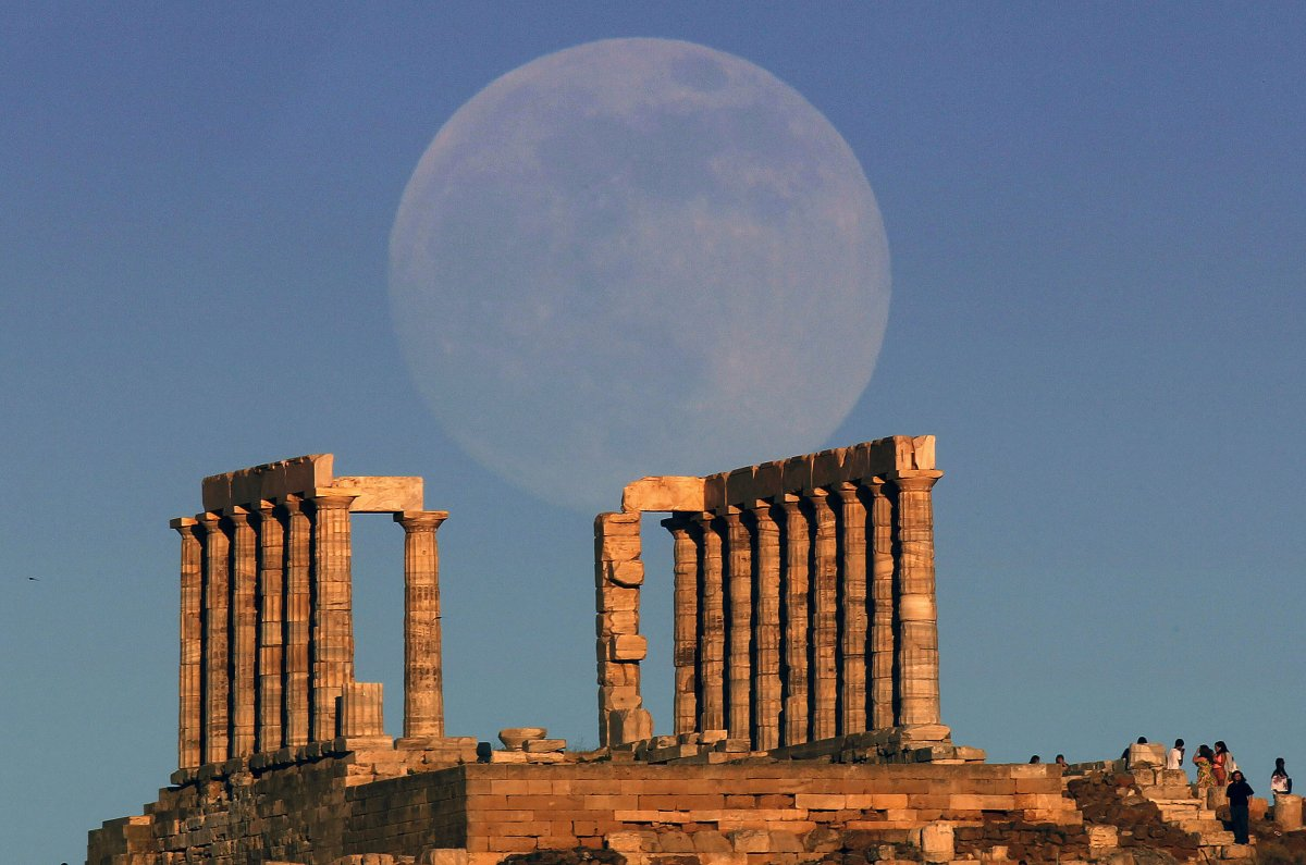 Sounion_Temple_Poseidon.jpg