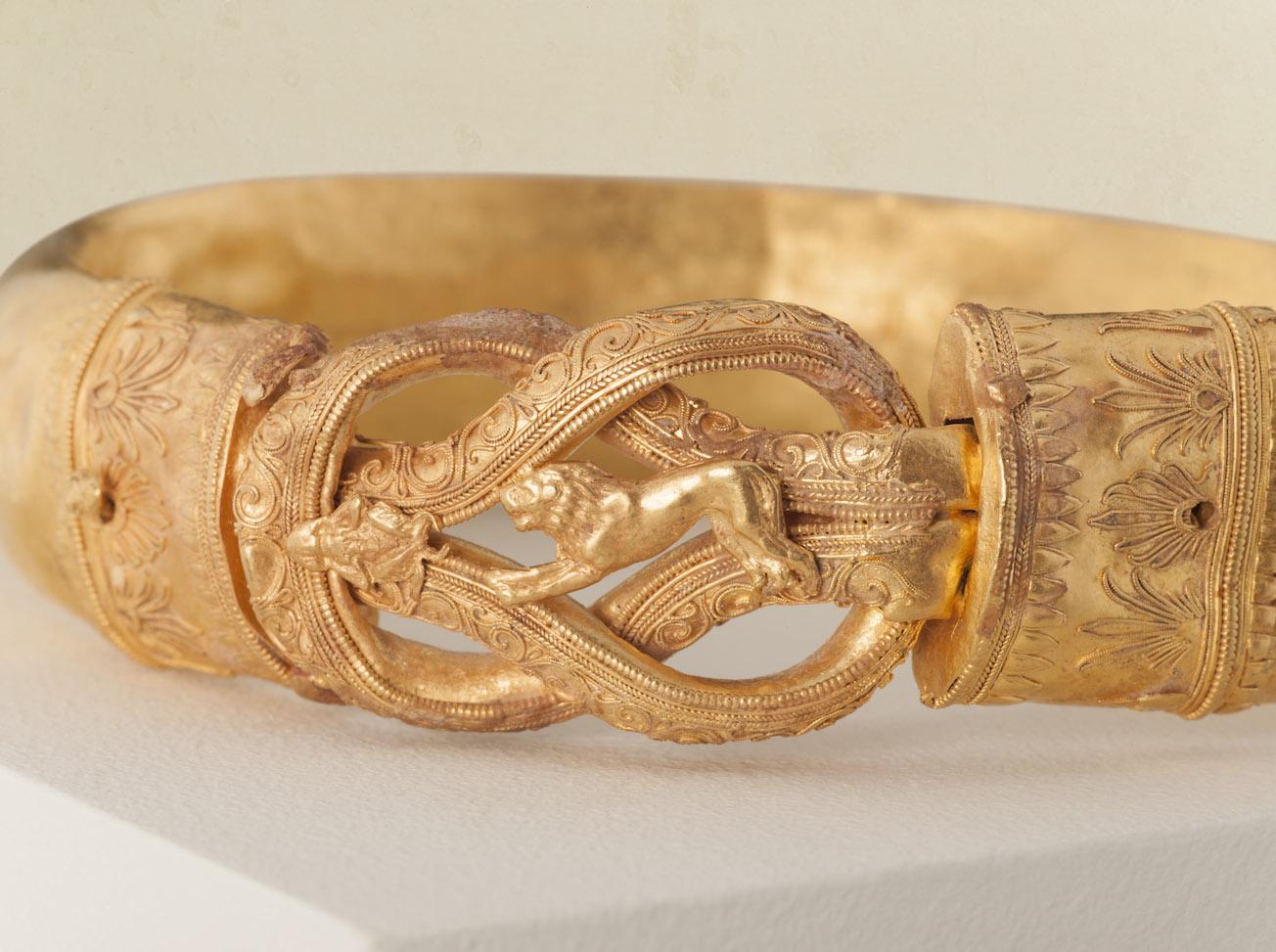 G0025-Hellenistic-Gold-Bracelet-detail-Credit-Kallos-Gallery-_-Steve-Wakeham_LOW.jpg