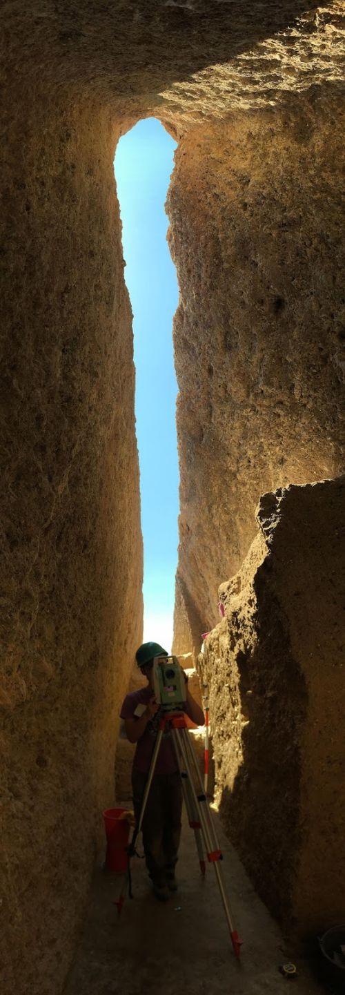 largest-mycenaean-tomb-discovered-greece_7.jpg