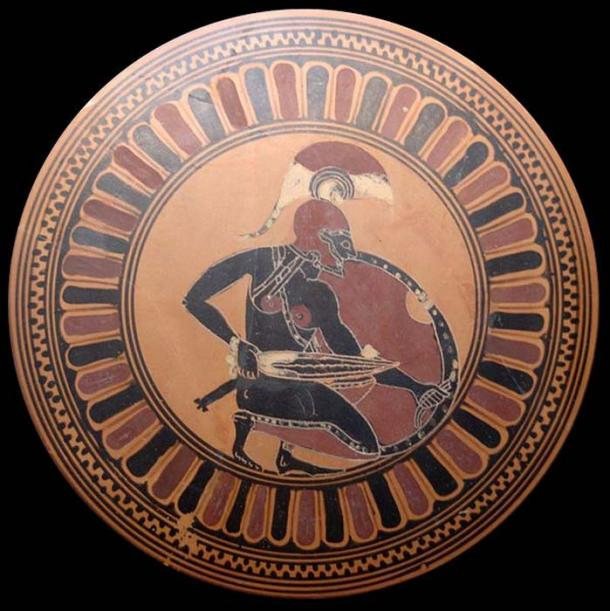 Knelt warrior with de-cladded sword – possibly Achilles waiting for Troilus. Tondo of an Attic black-figure kylix, ca. 560 BC. (      Public Domain      ) Greek warriors had to obtain their own weapons.