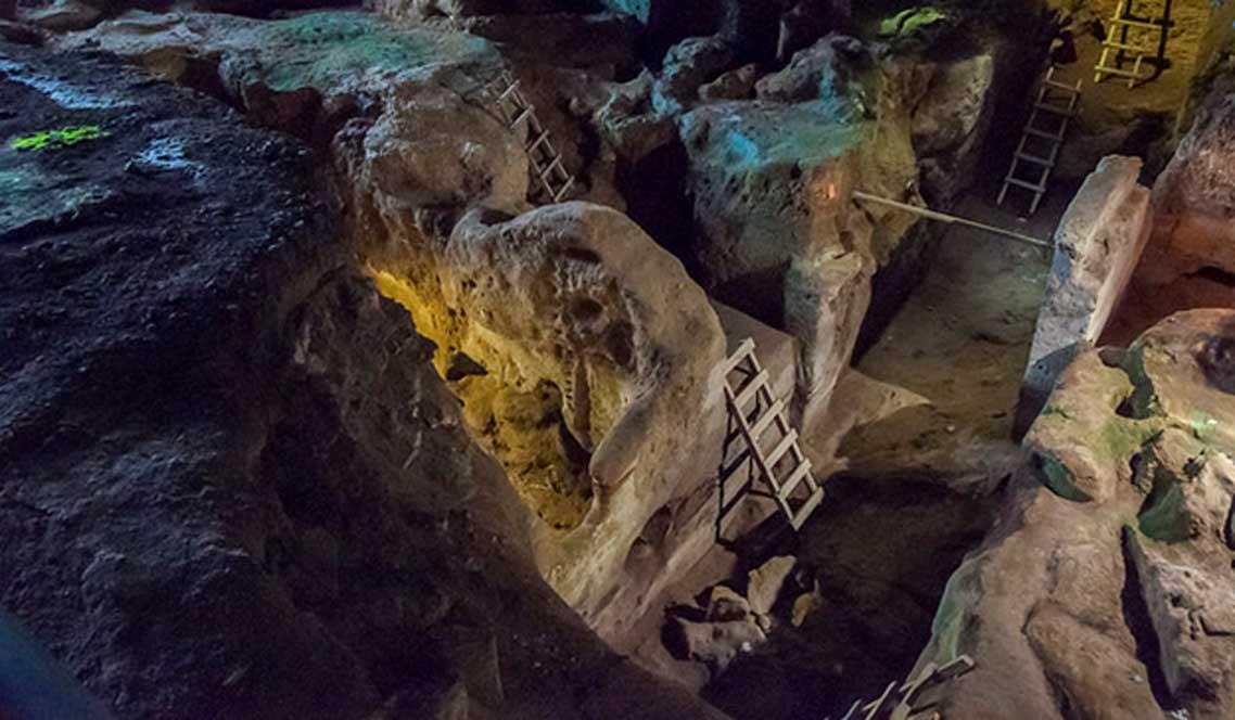 Excavaciones-cueva-Teopetra-Grecia.jpg