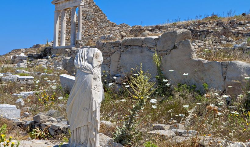 the-temple-of-isis-in-delos.jpg