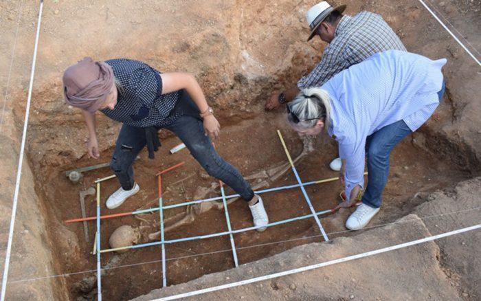 Kozani-tomb-e1565088859277.jpg
