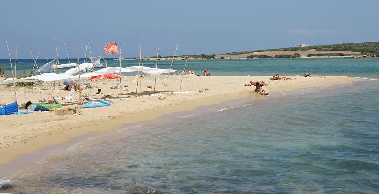 Camping beach - Antiparos 2.png