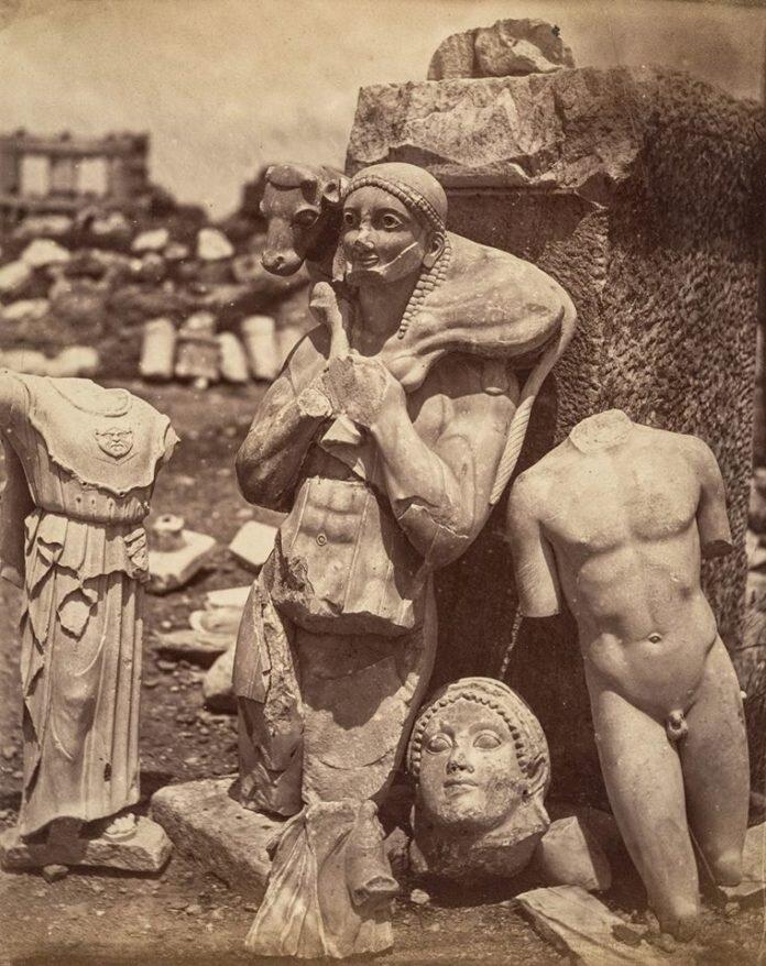 Acropolis-Mosxoforos-Metropolitan-Museum-of-Art-696x878.jpg