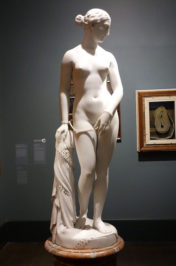 The_Greek_Slave_by_Hiram_Powers_1869_marble_view_1 _-_ Brooklyn_Museum _-_ DSC09487.jpg