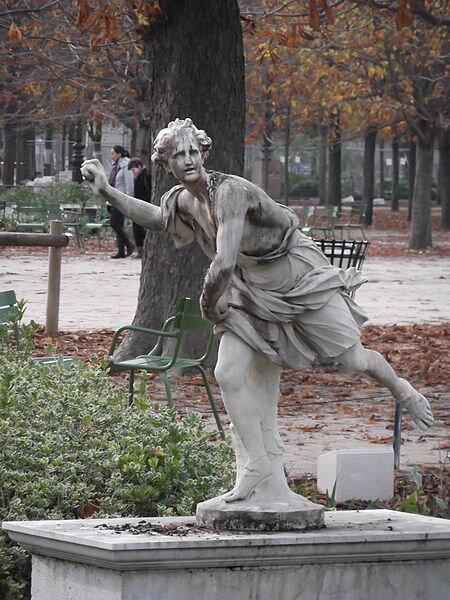 Hippomène by Guillaume Coustou, Jardin des Tuileries, Paris.Author:c ouscouschocolat CC BY 2.0