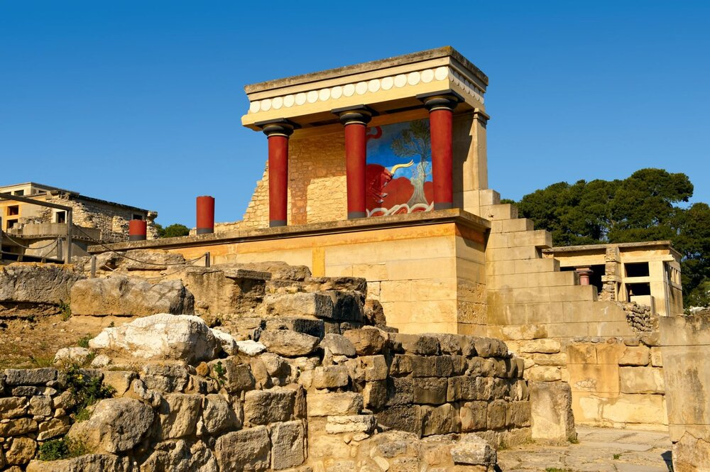 A polychrome relief of a bull adorns the north entrance of the Palace of Knossos. Bull imagery saturates Cretan art, appearing in jewelry, ceramics, sculpture, and painting. [FUNKYSTOCK/AGE FOTOSTOCK]