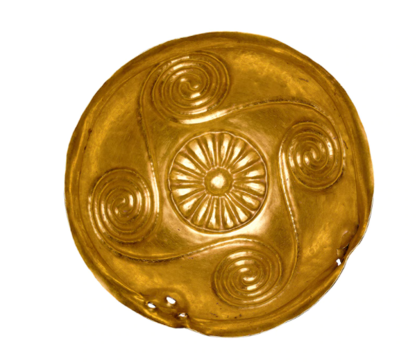 This golden goblet from the Aegina Treasure features four linked spirals, a common Minoan motif. [BRITISH MUSEUM/SCALA, FLORENCE]