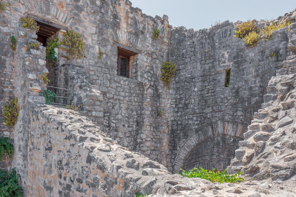 https-exploringgreece.tv-destinations-kerkyra-to-megaleiodes-froyrio-tis-elladas-kai-o-thrylos-me-ton-drako-28176-2.jpg