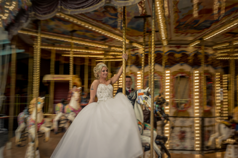 chris-wallace-wedding-photography-carousel-merrygoround.jpg