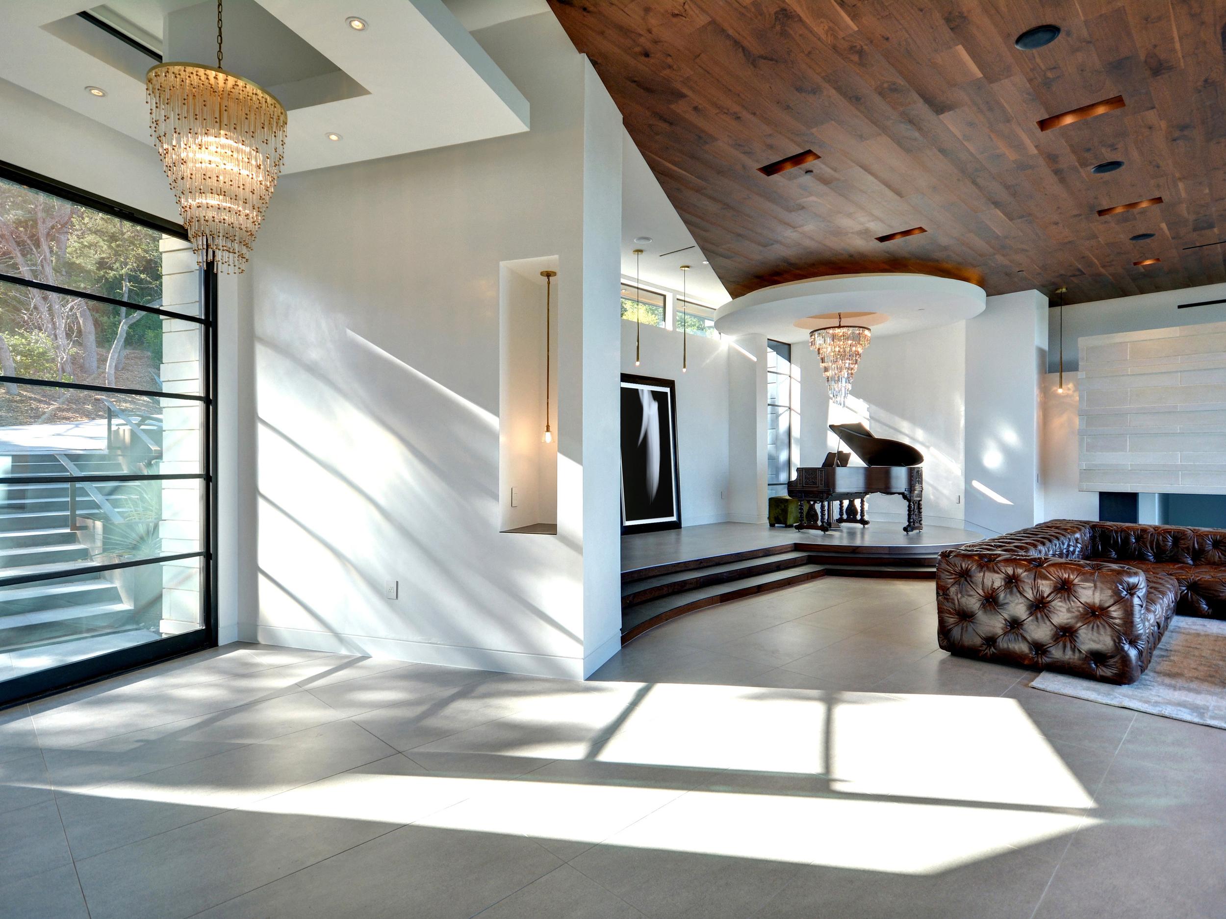 012_Foyer-Living_New_Art.jpg