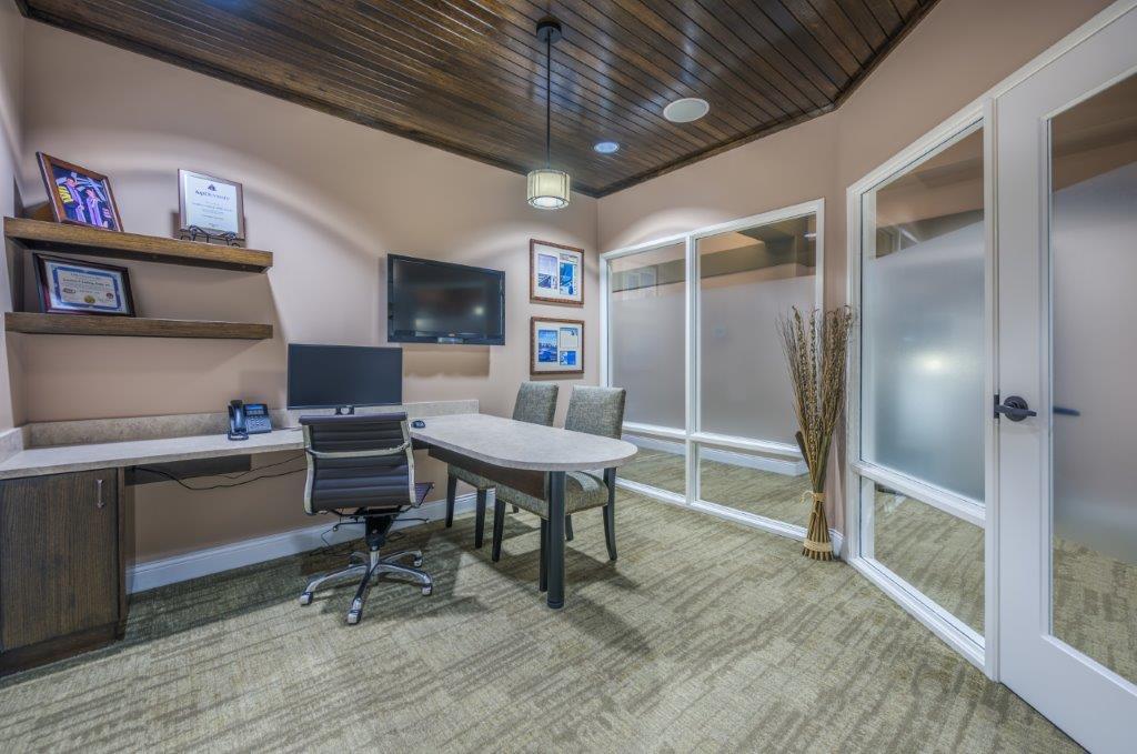 23 Consult Room.jpg