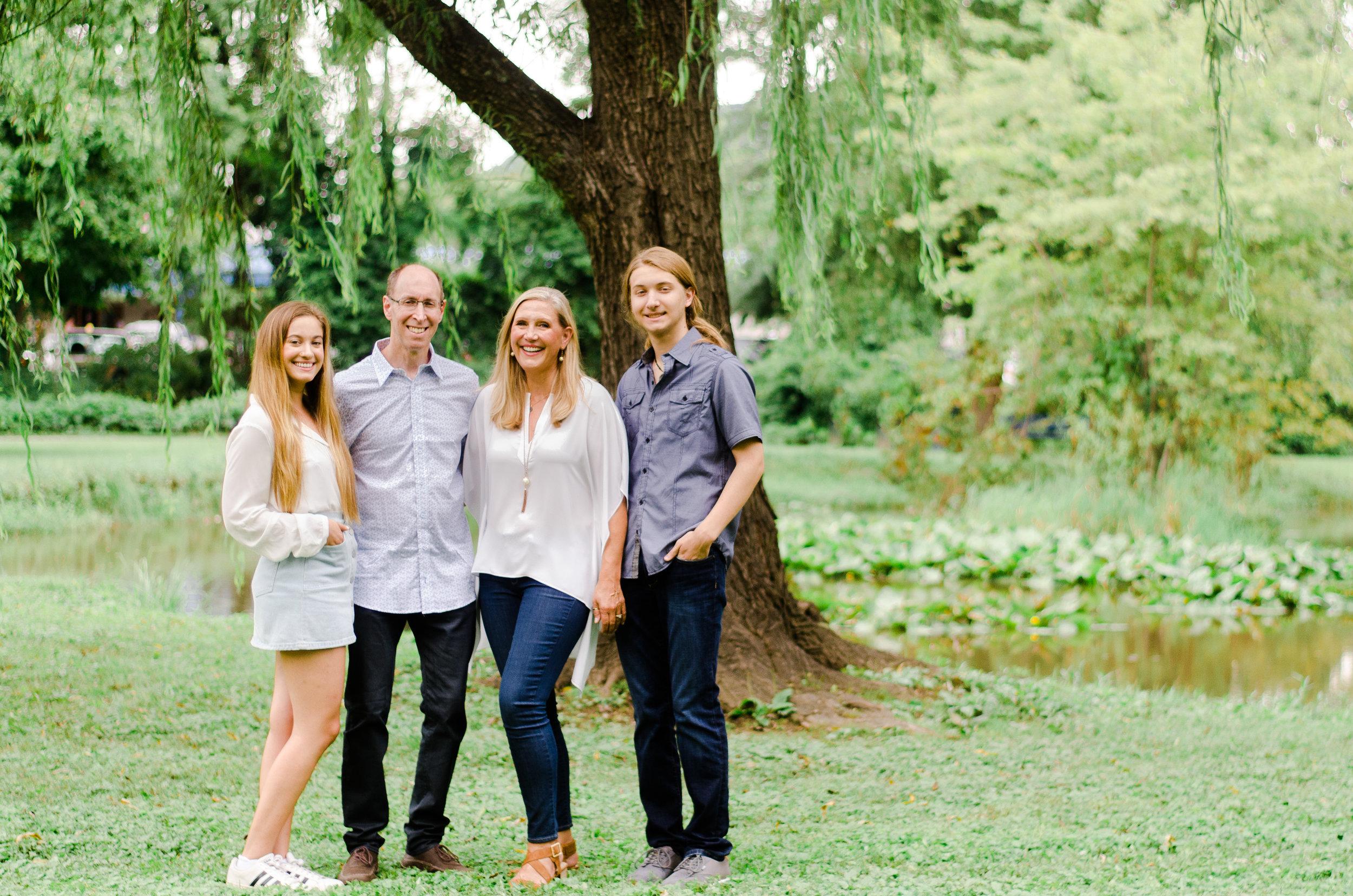 Leslie's Family Session -11.jpg