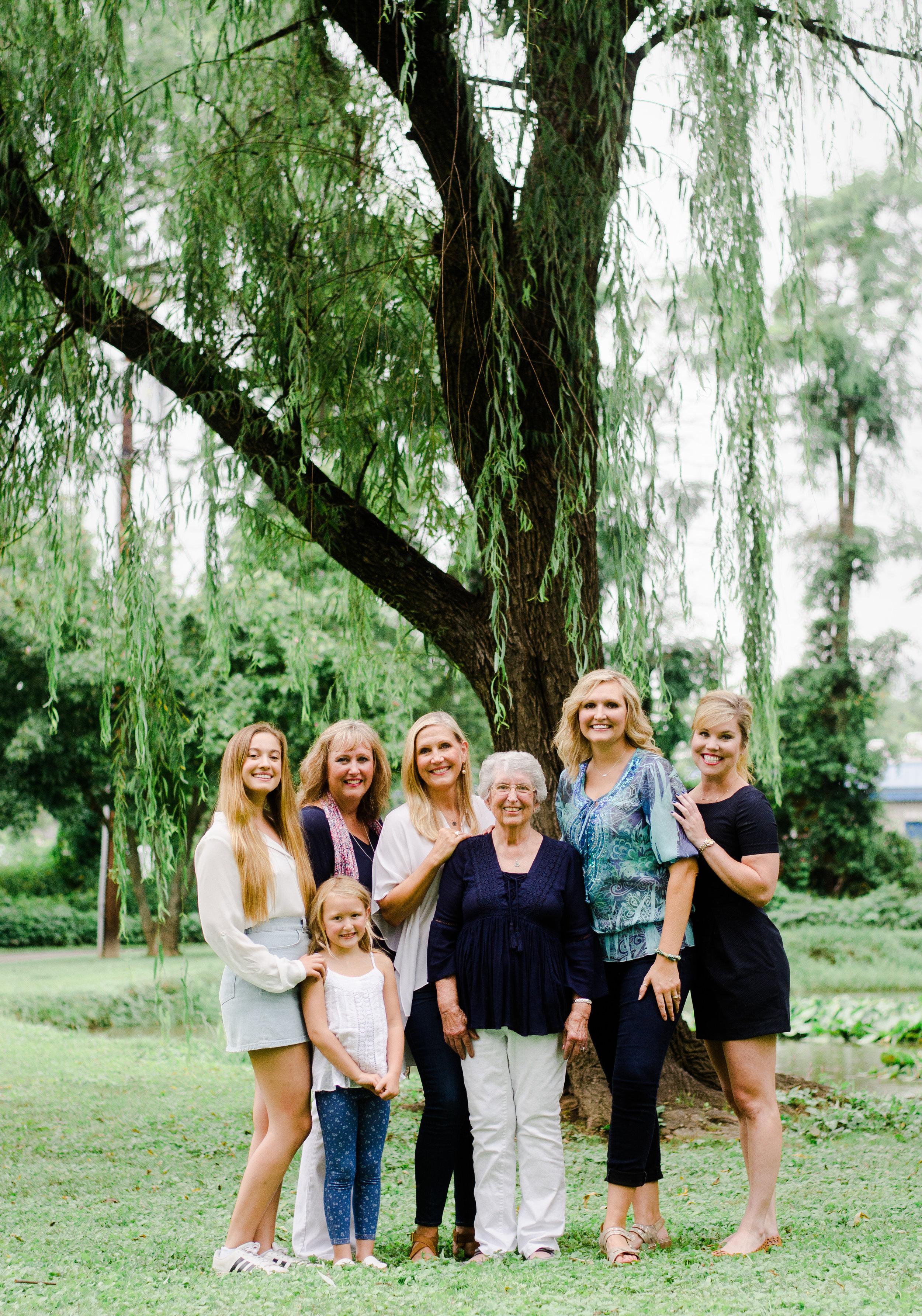 Leslie's Family Session -31.jpg