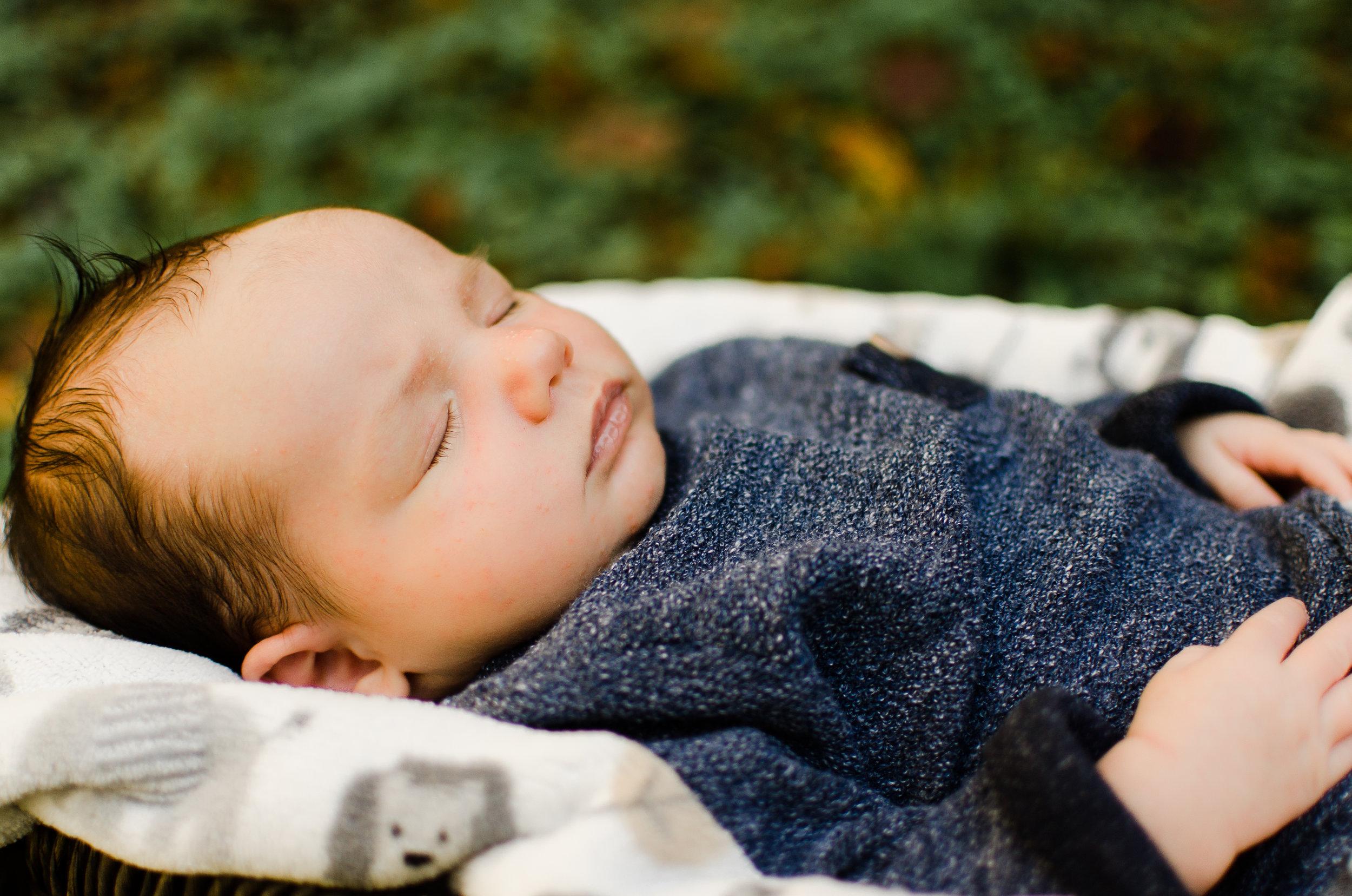 Oaklyn's Newborn Session -8.jpg