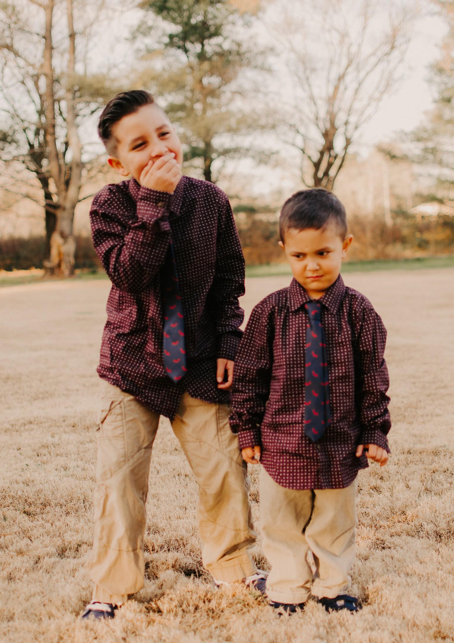child-photography-brother-portrait.jpg.