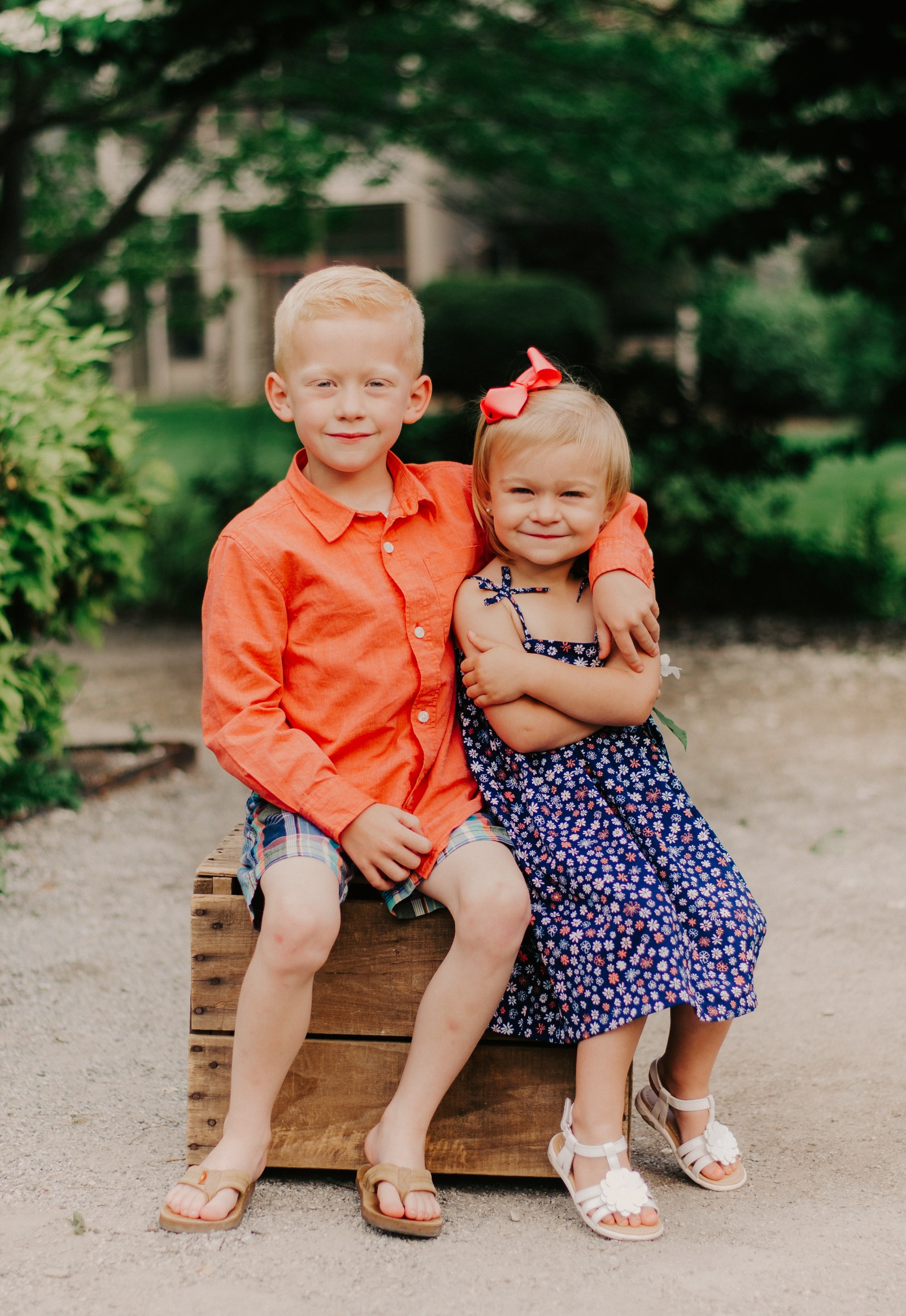 sibling-photography-children.jpg.