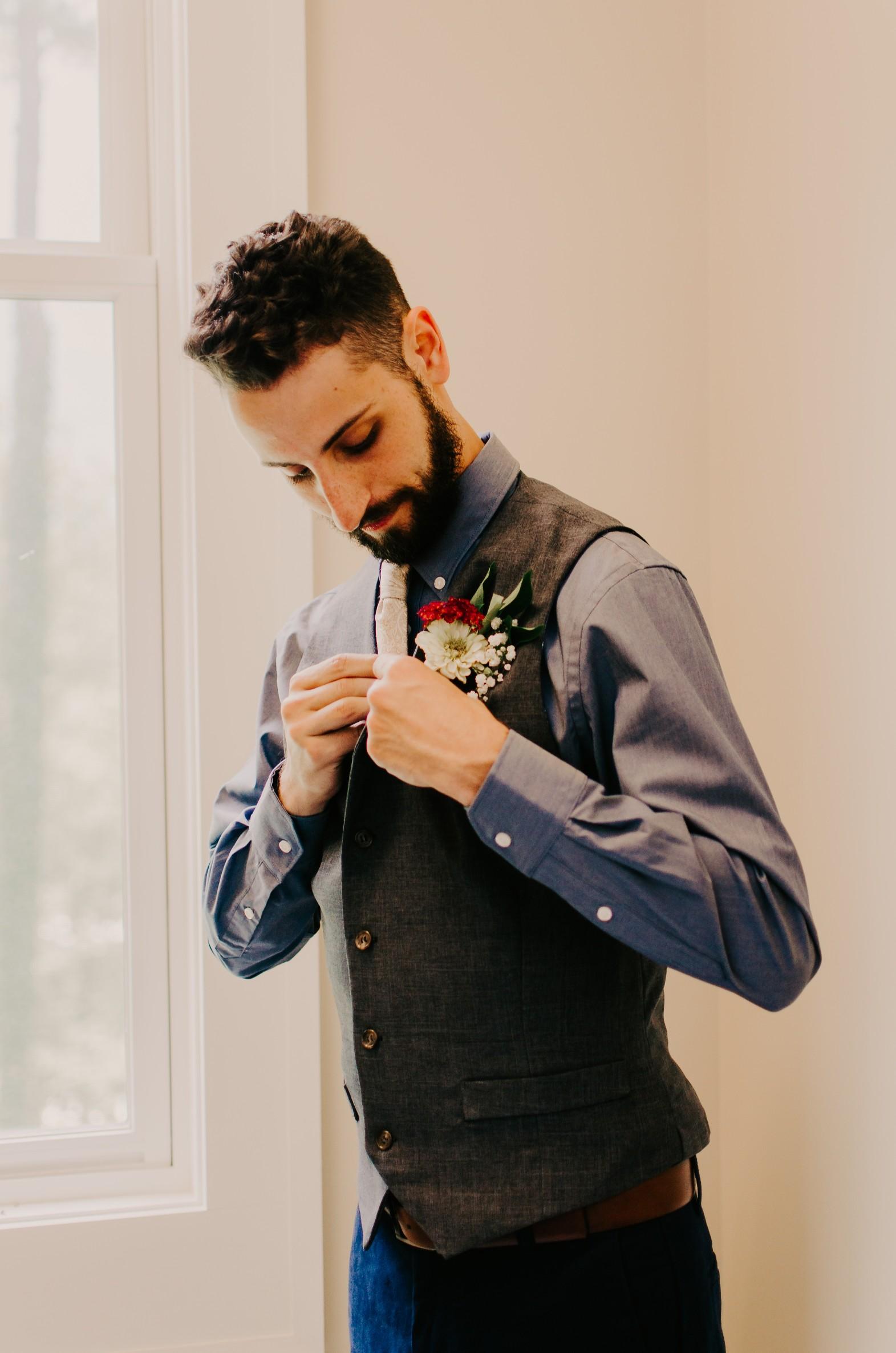 groom-portrait.jpg.