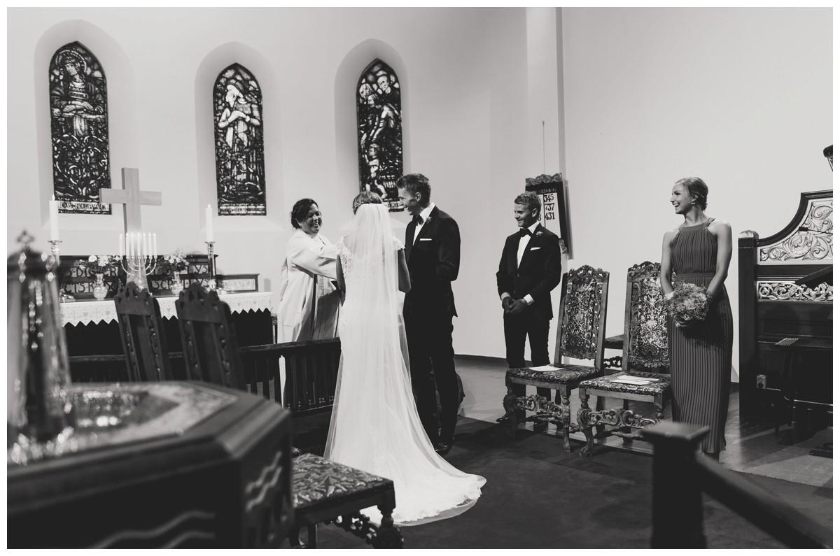 ingridogerik_0315_bw_wedding photographer norway.jpg