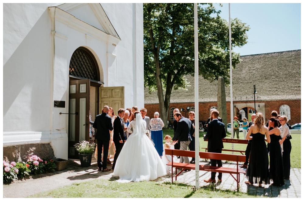 therese+thomas_juli2016_0932_wedding photographer norway.jpg