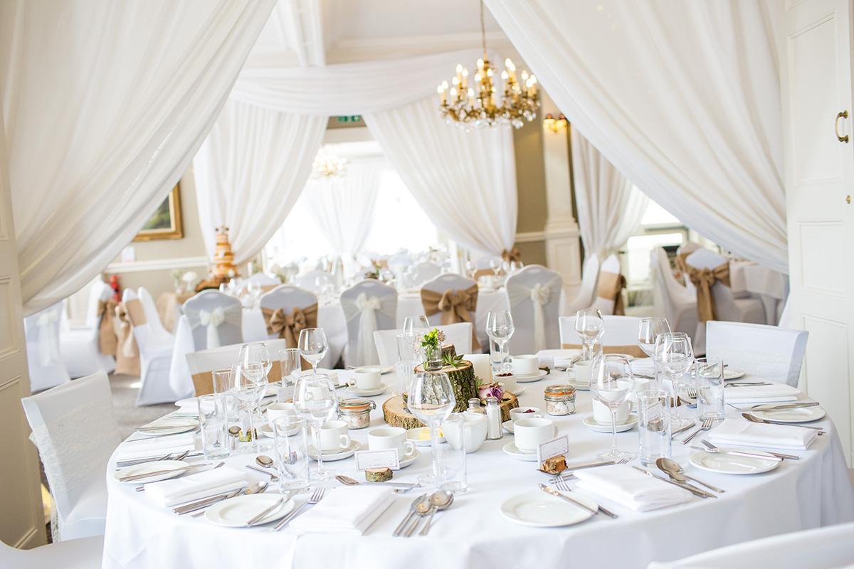 Entrace+&+window+(4)++The+Wedding+Room.jpg