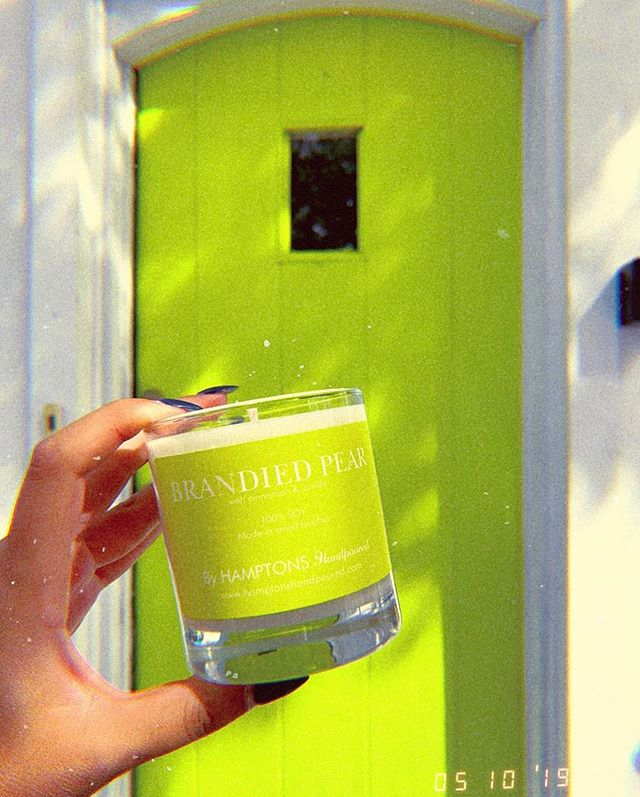 I hope they never change the color of this door in Sag Harbor, it's the perfect backdrop for our Brandied Pear 🍐💚 Captured by @classicallycait 📱  Available on the East End at @fowlersgardencenter