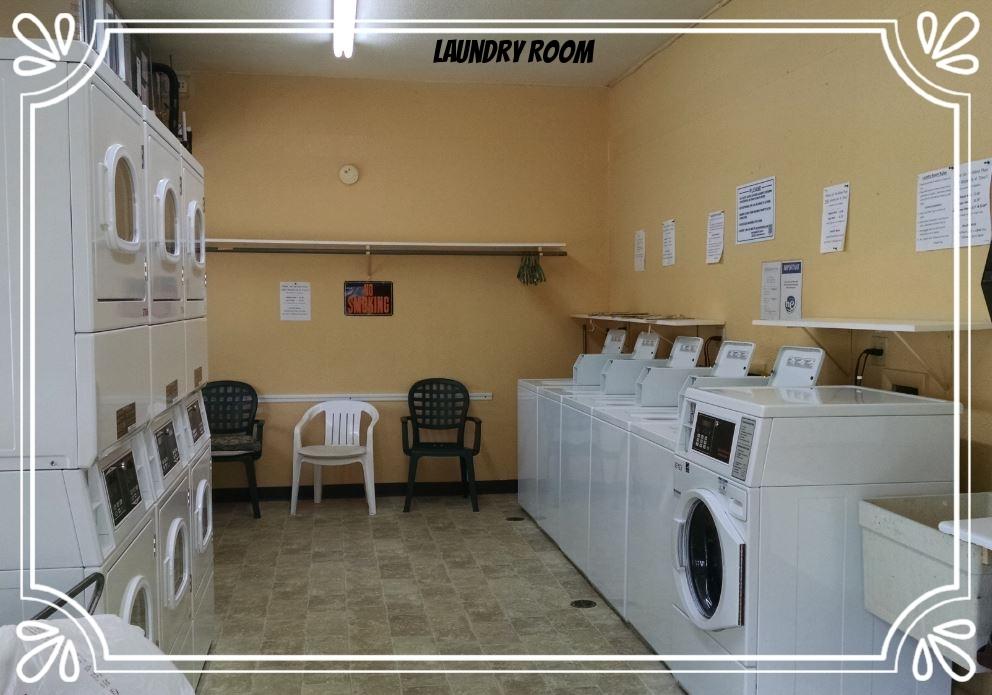 Laundry Rm.JPG