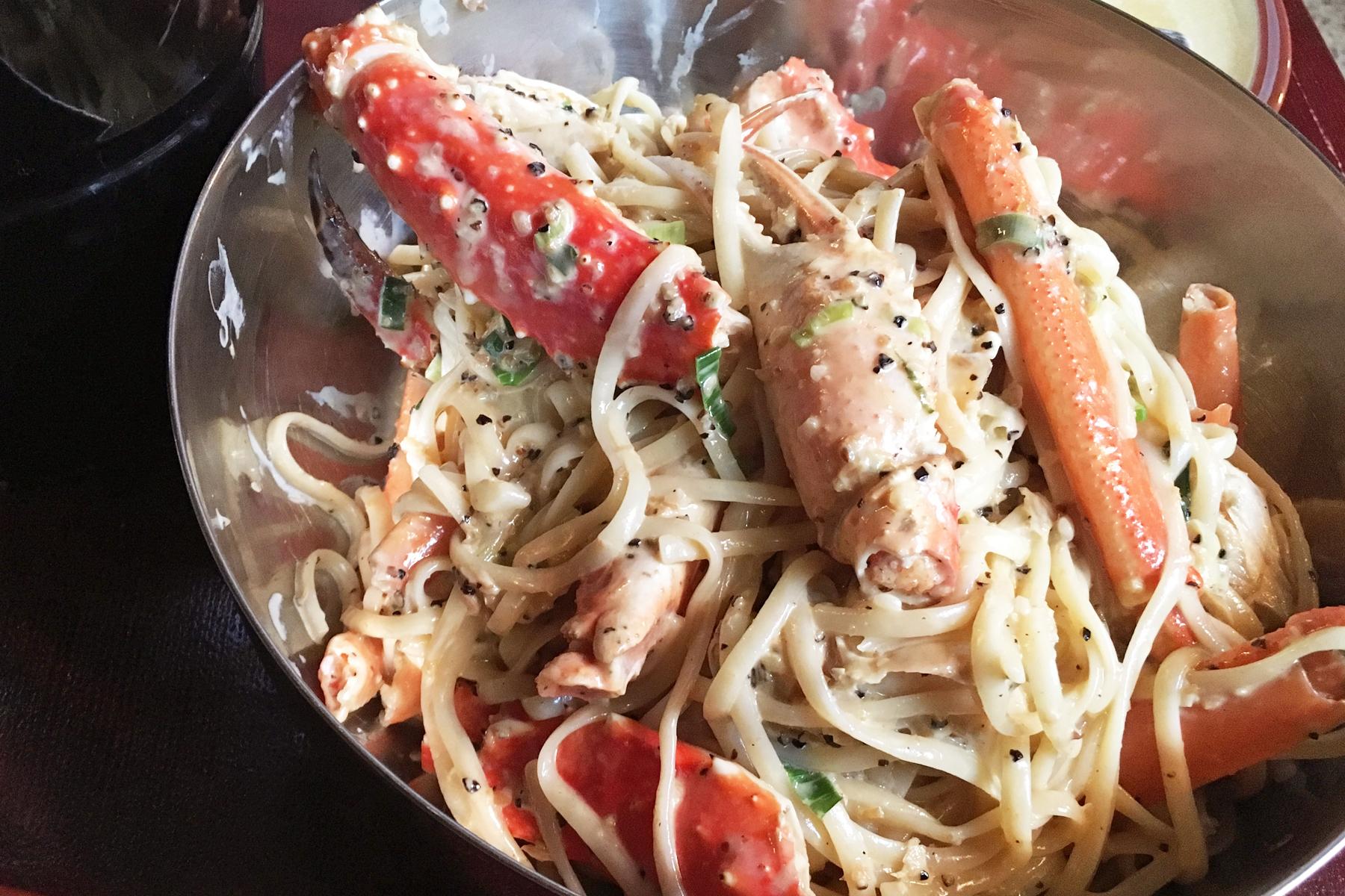 タラバガニとズワイガニのリングイネ King and snow crab on Linguini