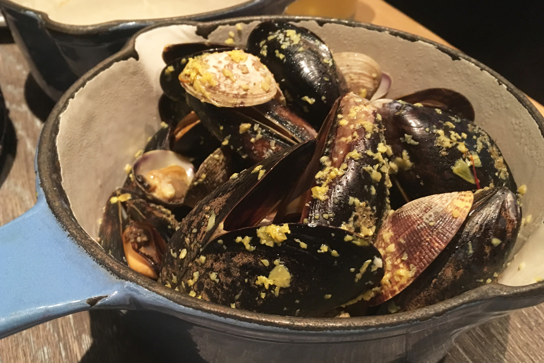 Mussels & Clams Steamer