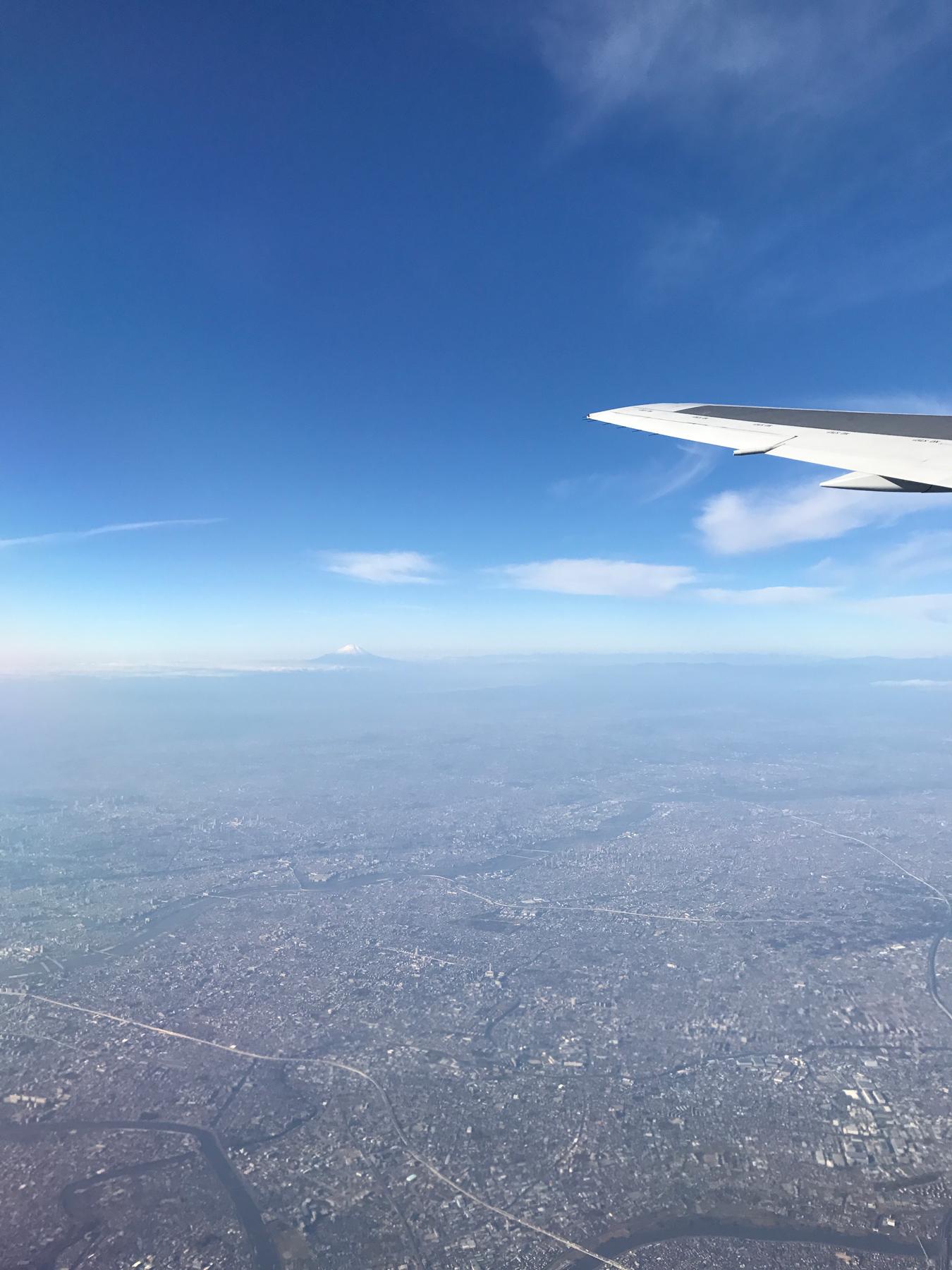 Haneda to Shin-Chitose air port! Can you spot Mt. Fuji?