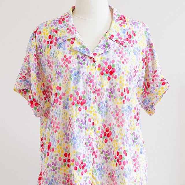 Three #willametteshirt (pattern by @heyjunehandmade) that I made this summer are on the blog! Willamette Shirt is this summer's my favourite pattern ☺️ It's so comfortable and fun to make! . この夏3枚縫った開襟シャツ、ブログにアップしました👕 Willametteという名前のパターンなのですが、この夏一番お気に入りとなったパターンでした。 着心地もいいし、縫いやすい💕 . #heyjunepatterns #heyjunepatterns #sewingblogger #sewist #sewcialists #handmadeclothing #洋裁 #ハンドメイド大人服 #ソーイング #ソーイングブログ #海外パターン