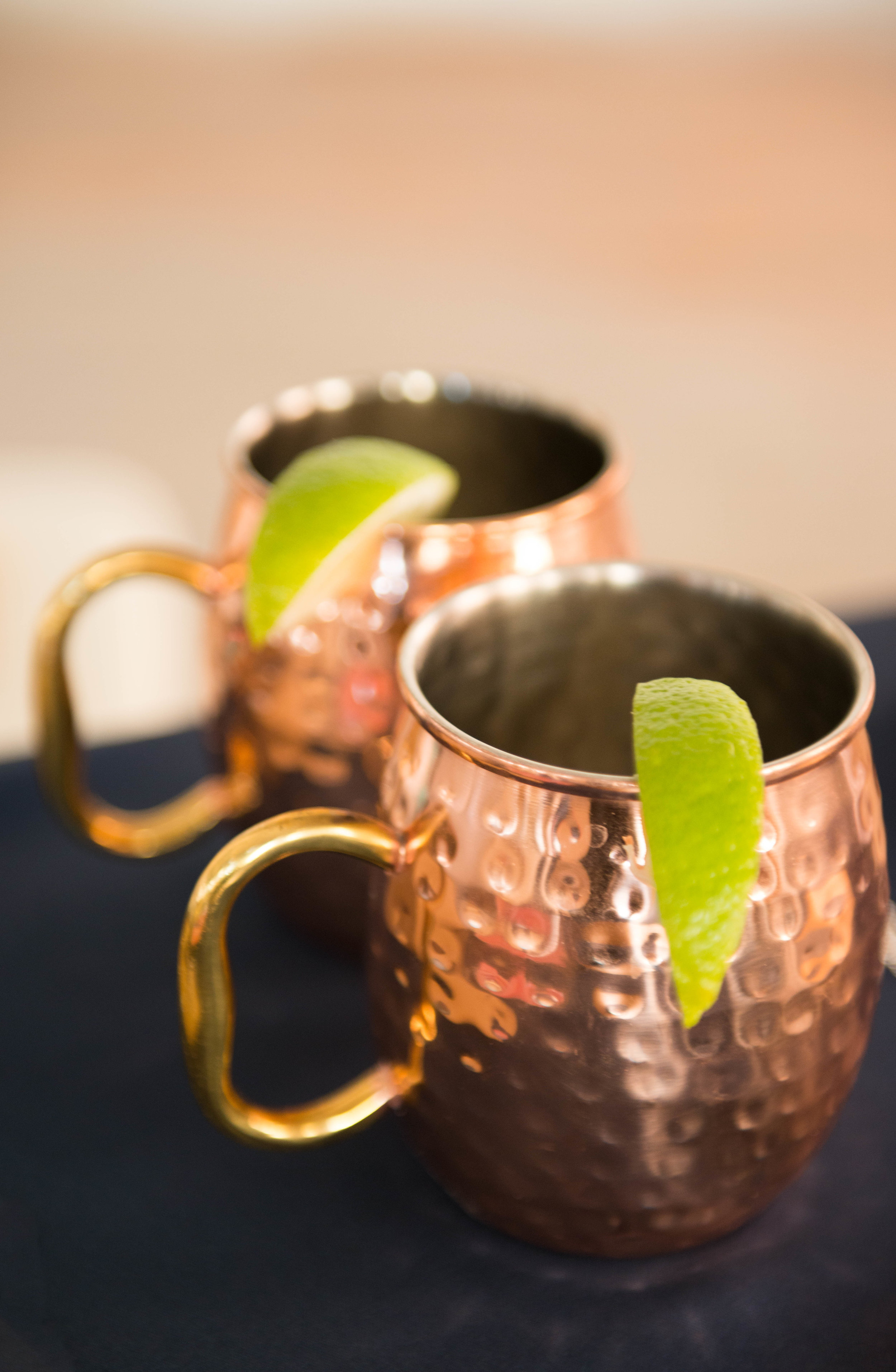 Copper Mugs with a slice of lime by Silver Bean Events.  www.lisavillellaphotographer.com