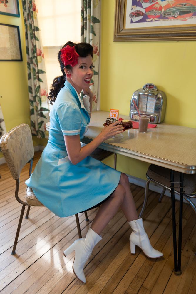 pinup-vintage-waitress-lisa-villella-photography-blog-1.jpg