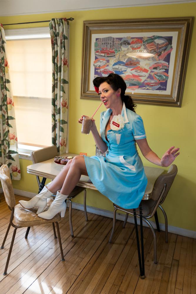 pinup-vintage-waitress-lisa-villella-photography-blog-4.jpg