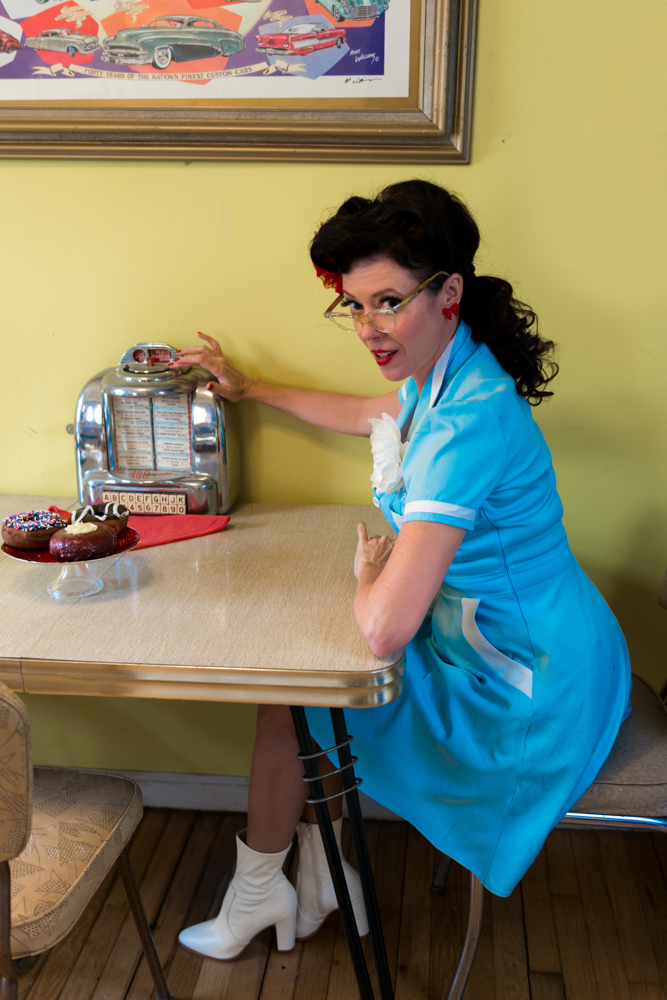 pinup-vintage-waitress-lisa-villella-photography-blog-10.jpg