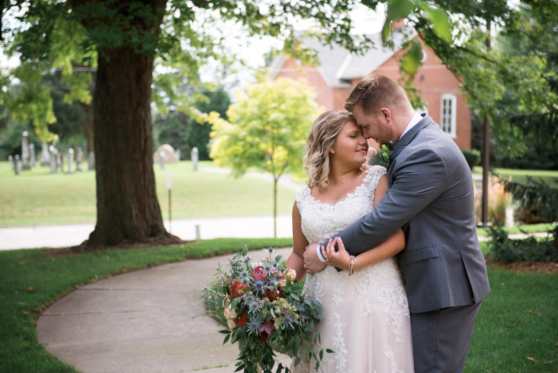 bride-groom-wedding-metro-detroit-lisa-villella-photography.jpg