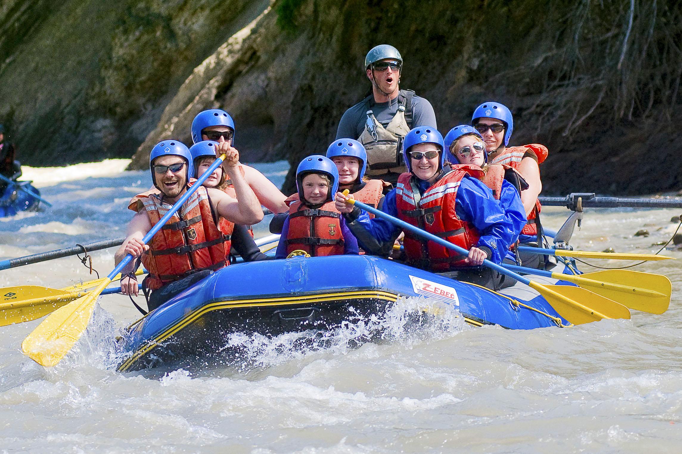 Raft moderate rapids on the twisty turvy sulphur river