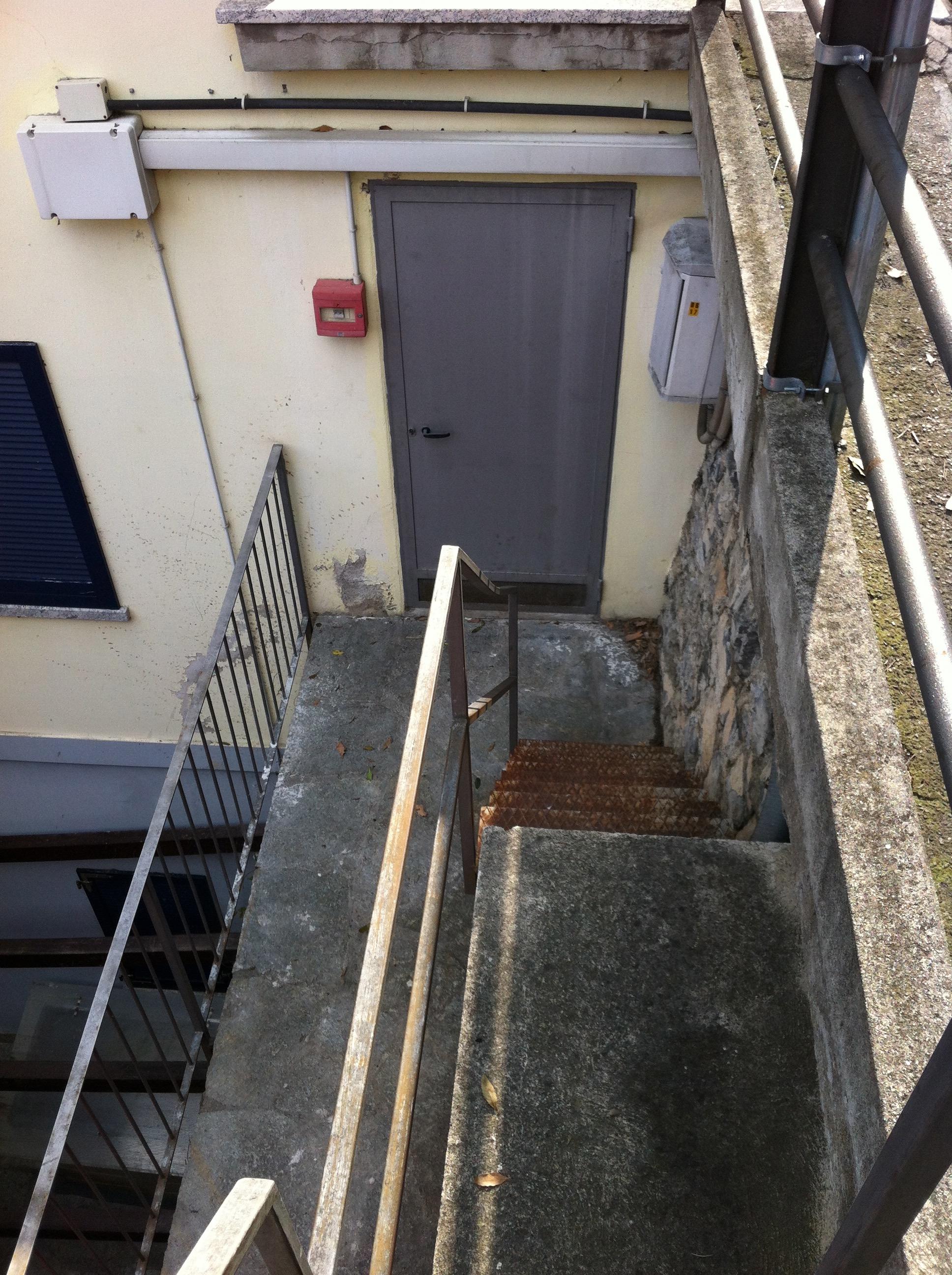 ... sicherungskasten ist unter der Treppe