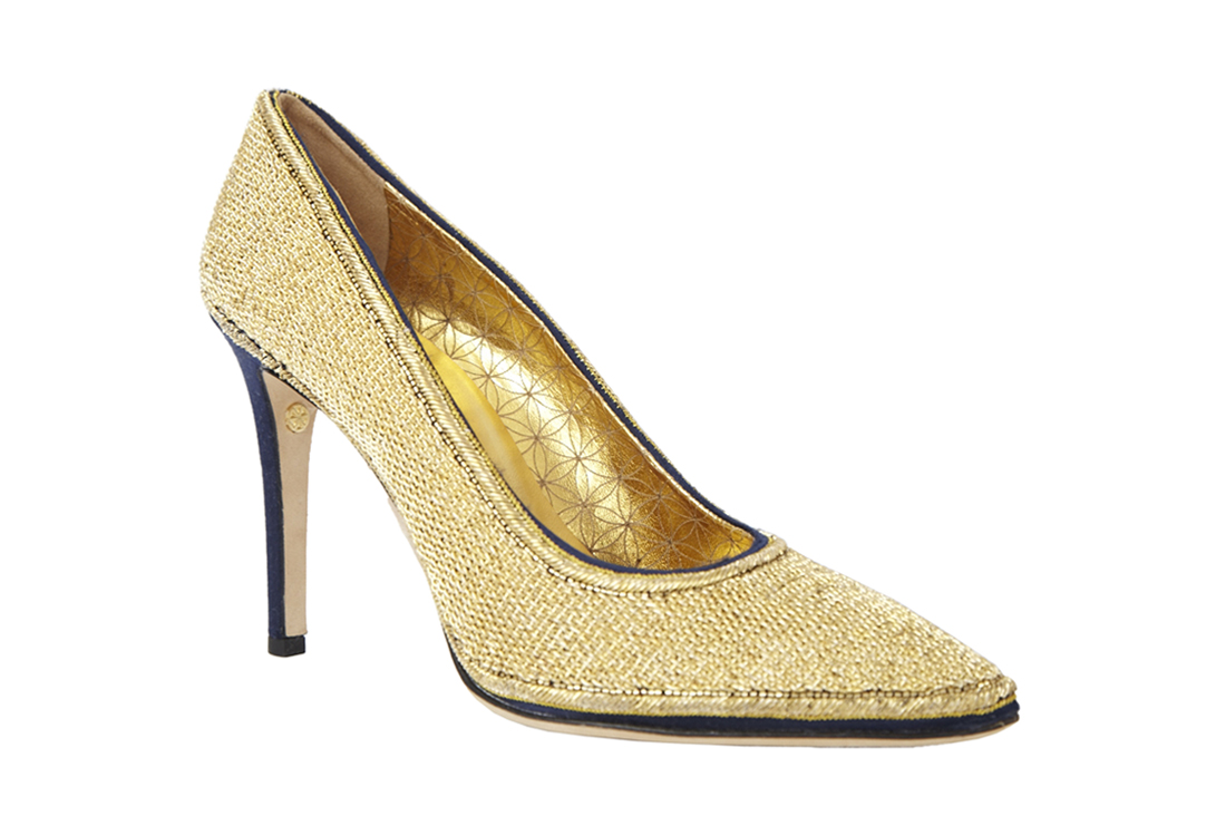 ZaeemJamal-Gold-Embroidered-Pumps-frontview.jpg
