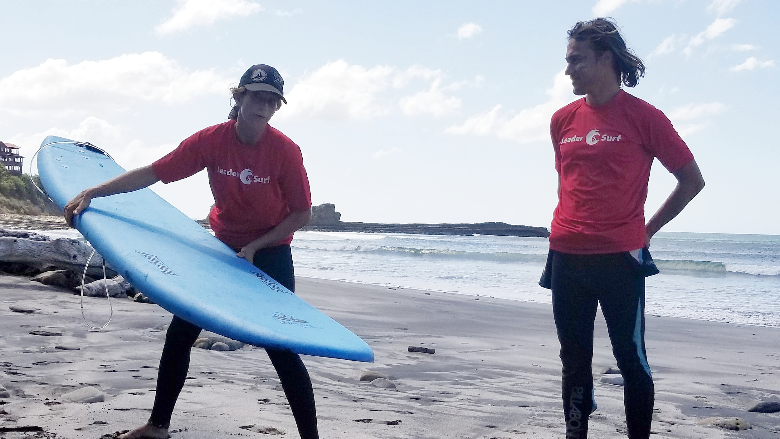 Aura and Rayito LeaderSurf instructors