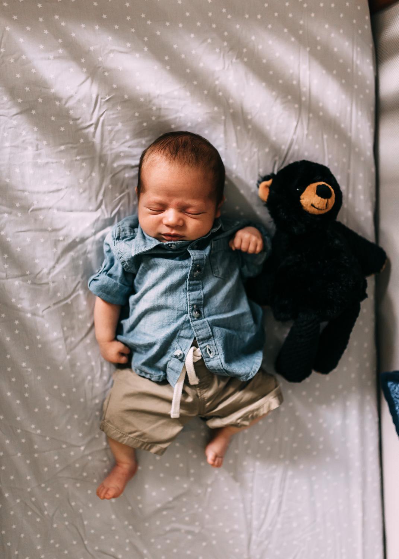 Newborn-Lifestyle-Photographer-Columbus-Ohio-Erika-Venci-Photography