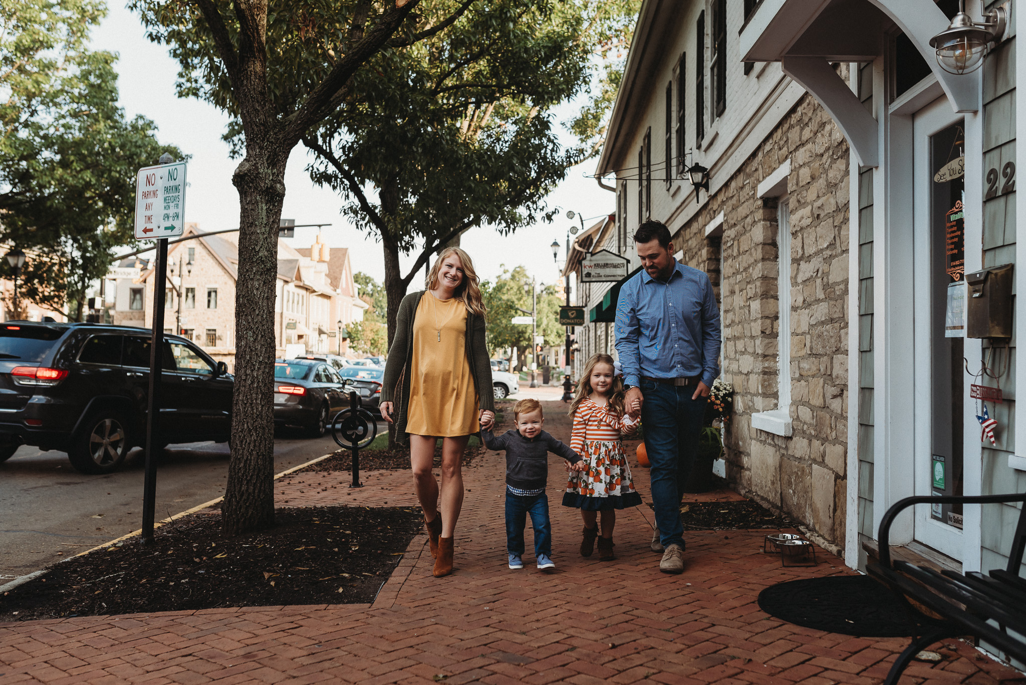 Downtown-Dublin-Ohio-Family-Photos-Erika-Venci-Photography